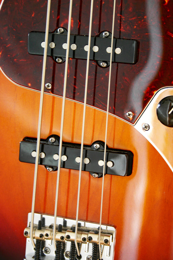 Used Fender American Standard Jazz Bass 3-Tone-Sunburst