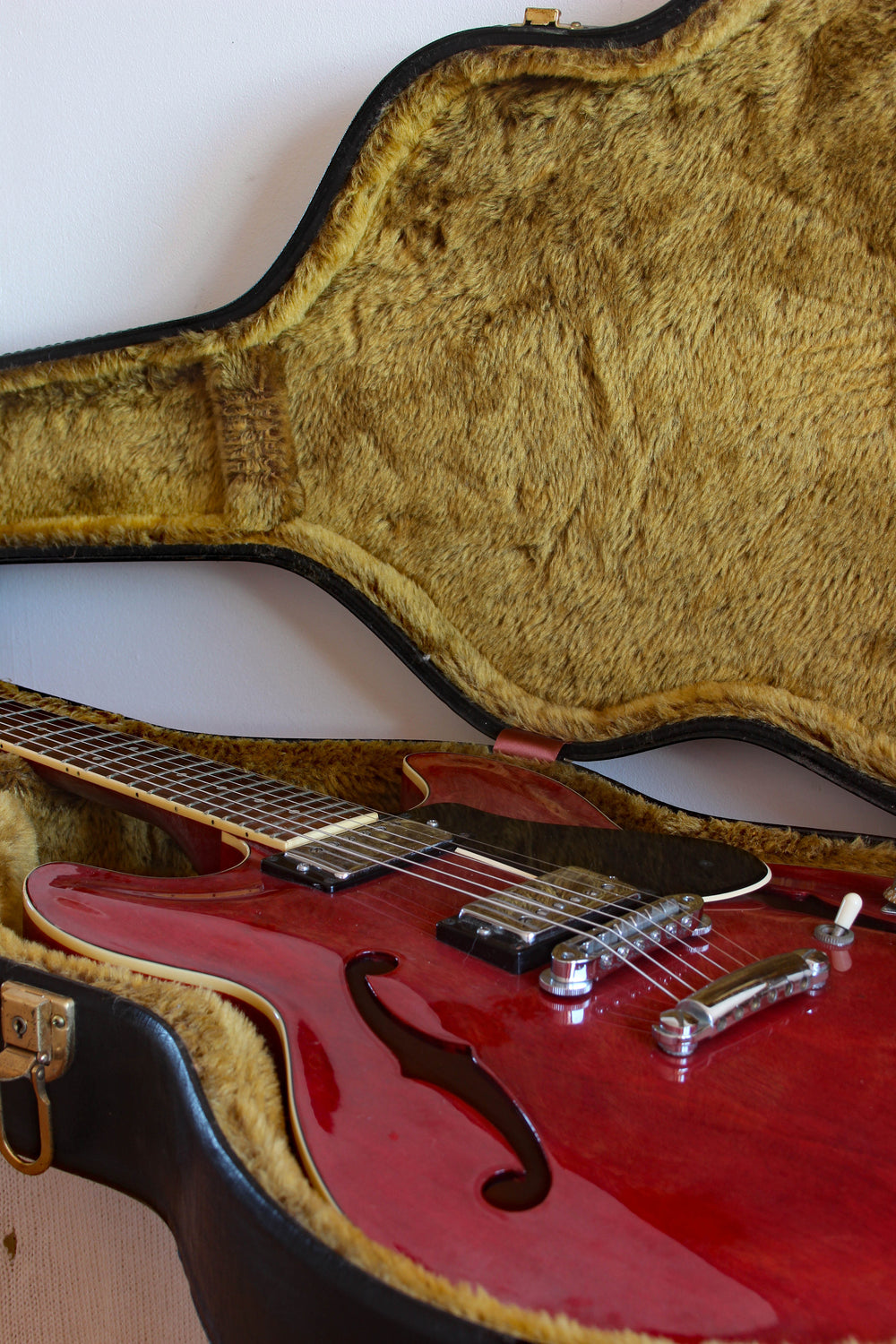Used Yamaha SA700 Super Axe Semi-Hollow 1978