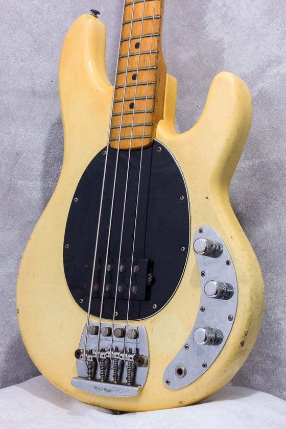 Music Man Stingray Olympic White 1979