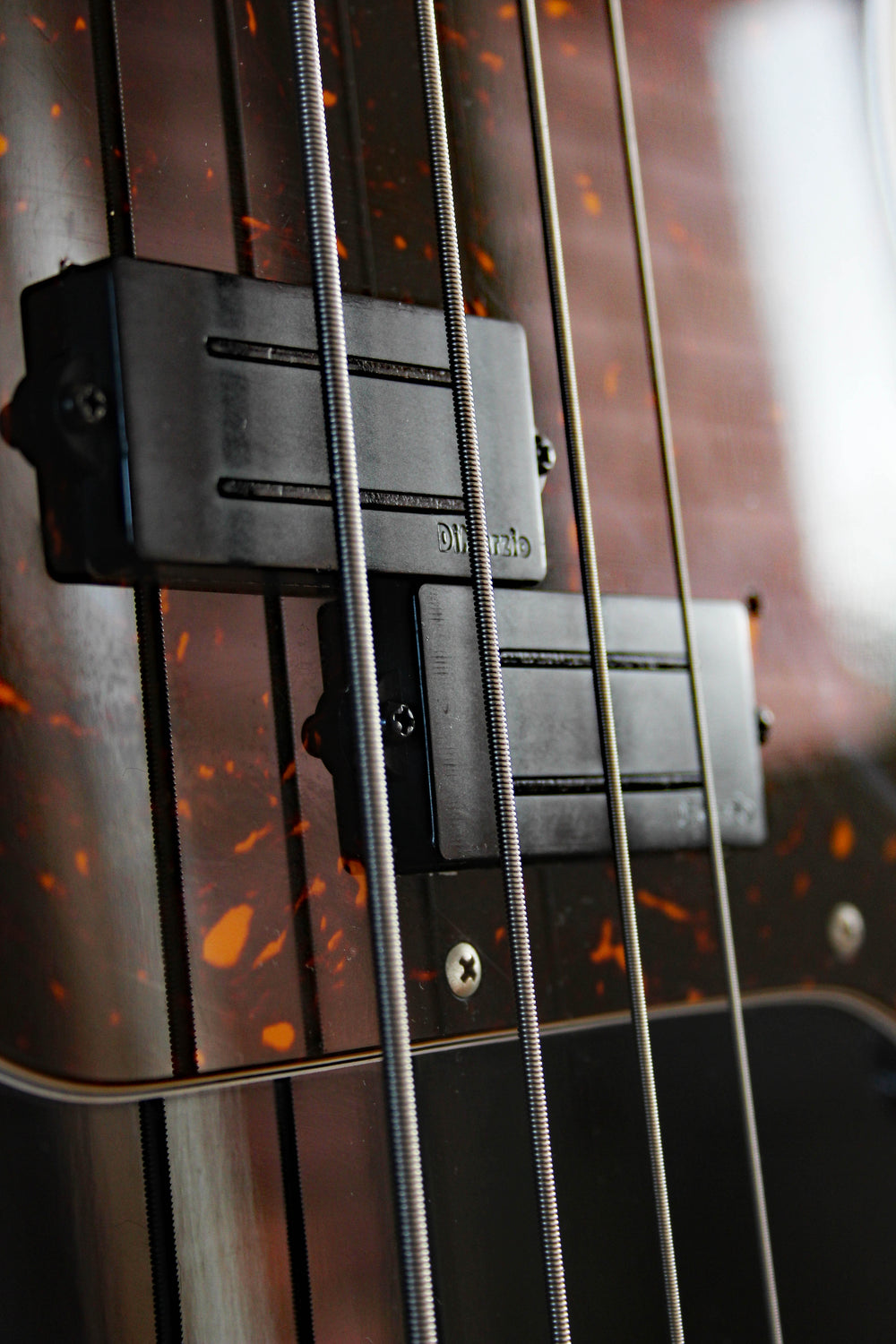 Used Fender Precision Bass '62 Vintage Black/Tort modded