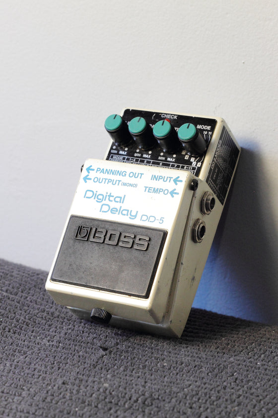 Boss DD-5 Digital Delay Pedal