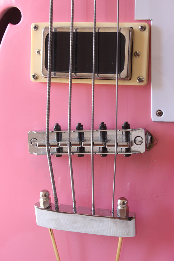 Duesenberg Starplayer Bass Fretless Refinished Pink