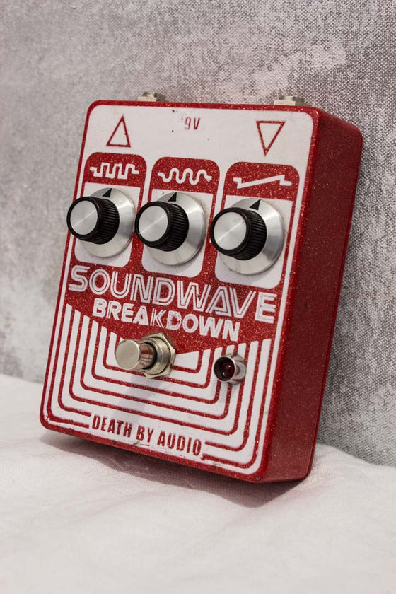 Death By Audio Soundwave Breakdown Fuzz Pedal