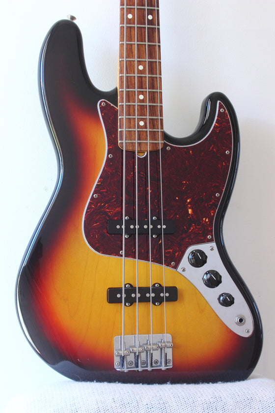 Fender Standard Jazz Bass 3-Tone Sunburst 2008