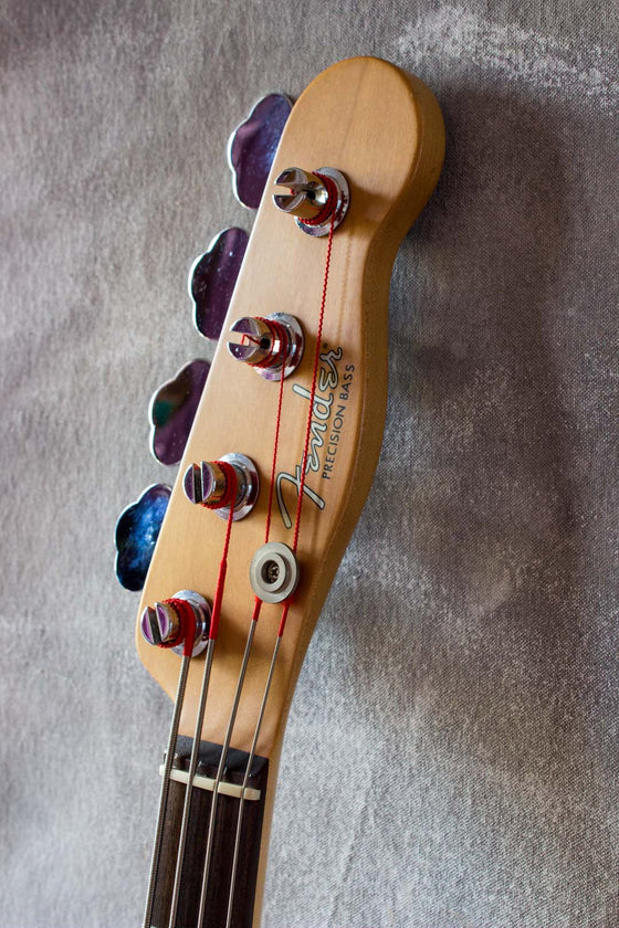 Fender Mike Dirnt Signature Precision Bass Vintage White 2005