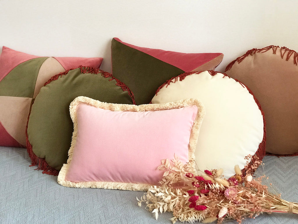 Velvet cushions and dried flowers