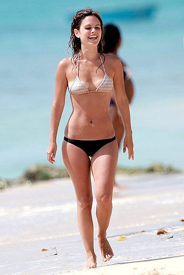 Nicky's top tips for buying the perfect bikini!  Bikini lesson 1 - know your shape...