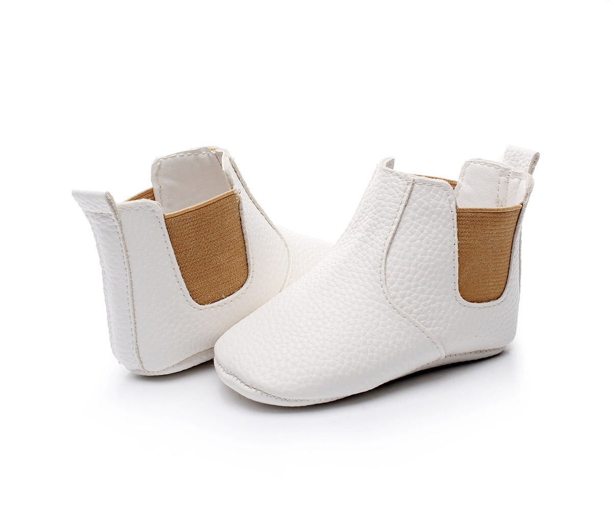 White/tan slip on boots
