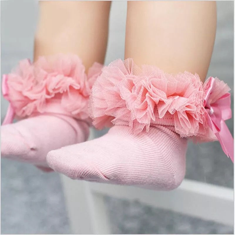 Pink ruffle ankle socks (0-6 years)