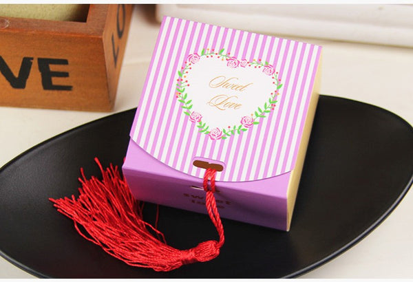 New Arrival 100pcs Small Romantic Striped Candy Boxes with Tassels for Wedding Favour Package Gifts Box for wedding decorations