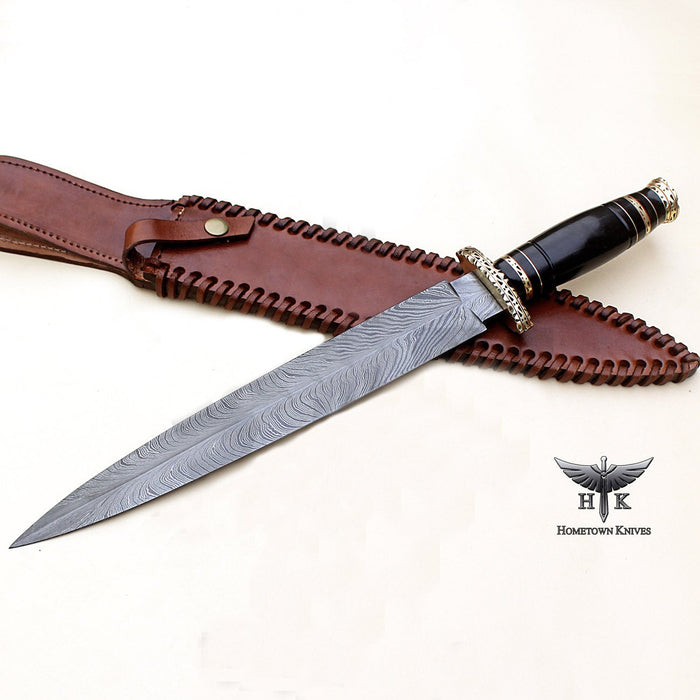 HTK-0084 Handmade Damascus Steel Hunting Dagger Knife Feather Pattern Blade Buffalo Horn Handle