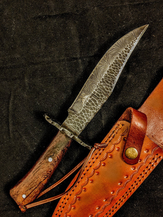 HTB-7  HANDFORGED Damascus Hunter Knife / Walnut Handle / Safety Hilt / Camping / Hunting Game - HomeTown Knives