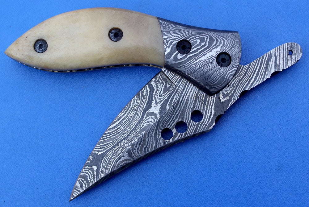 HTS-84  Damascus Knife custom handmade Folder /Camel Bone handle / Damascus steel bolster / Liner Lock