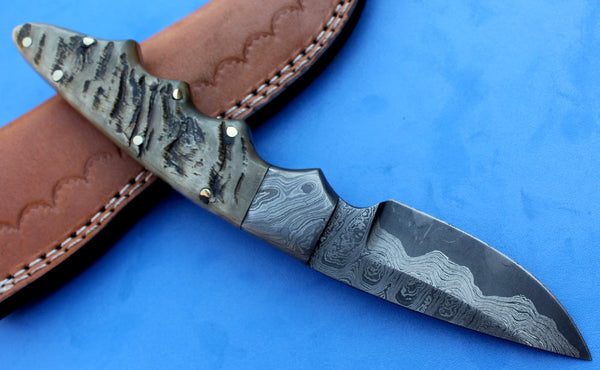 HTK-97  Damascus Knife custom handmade Skinner  / Ram Horn handle / Great quality / Sanmai Pattern