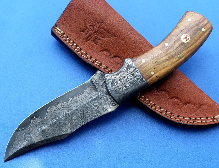 HT-36  Damascus Knife custom handmade Skinner  Olive Wood / Sanmai Pattern / Camping / Hunting - HomeTown Knives