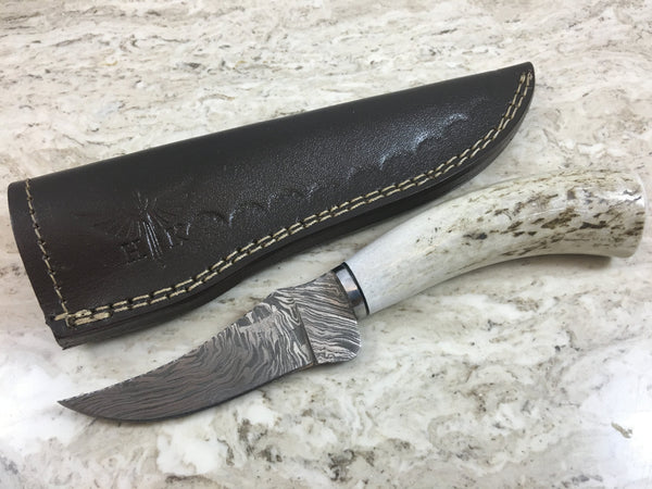 HTKVN-52  Damascus Skinner Custom handmade Knife / Whitetail Stag / Fire Pattern / Great quality / Camping / Hunting / Ergonomic /
