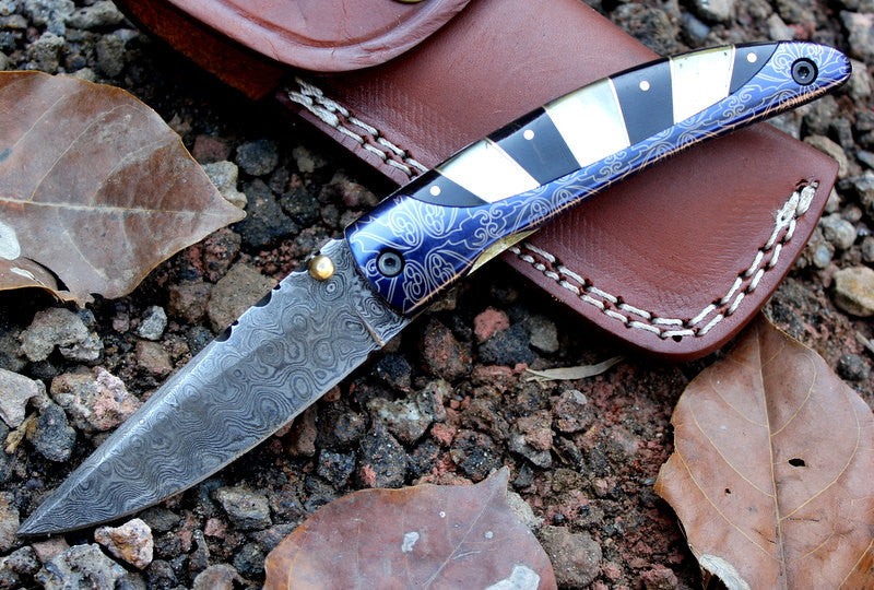 HTK-245 Damascus Knife custom handmade Folder / Buffalo Horn handle / Damascus bolsters