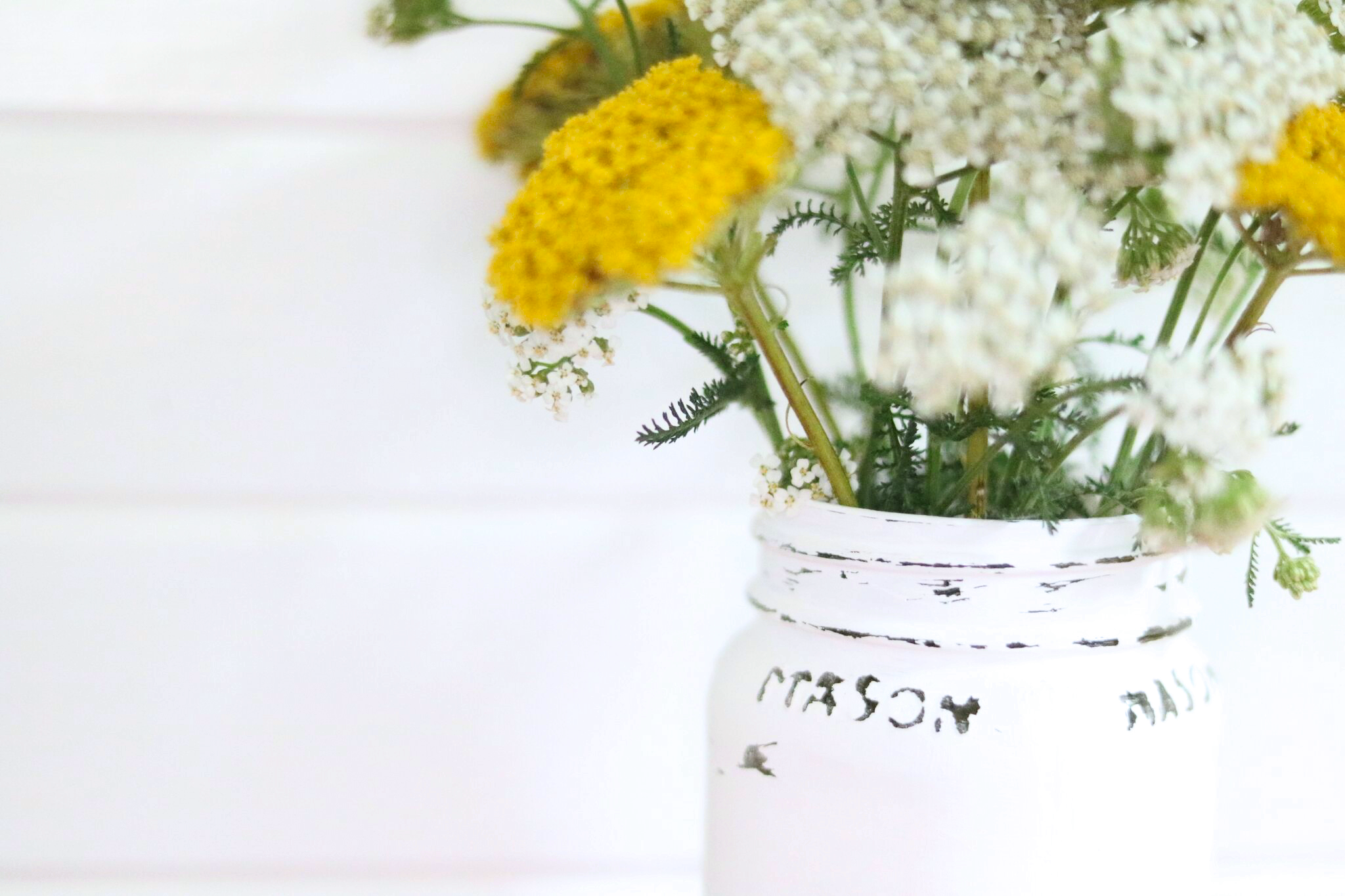 Mason jar diy vases antique candle works this gorgeous vase has a rustic and vintage vibe this is an easy tutorial for how to paint and distress mason jars reviewsmspy