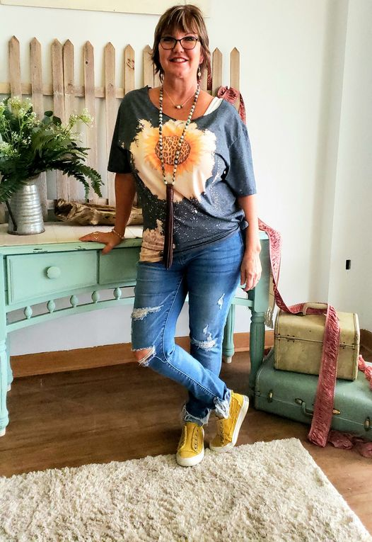Bleached Sunflower Tee 02134