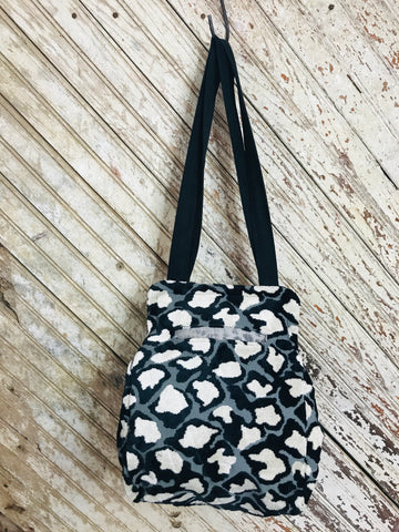 Black & White Large Carpet Bag