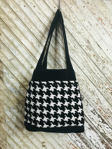 Houndstooth in Black Organized Tote