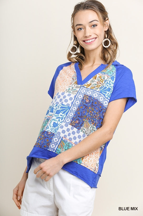 Short Sleeve Scarf Print Collared V-Neck Top with Raw Hems 01405