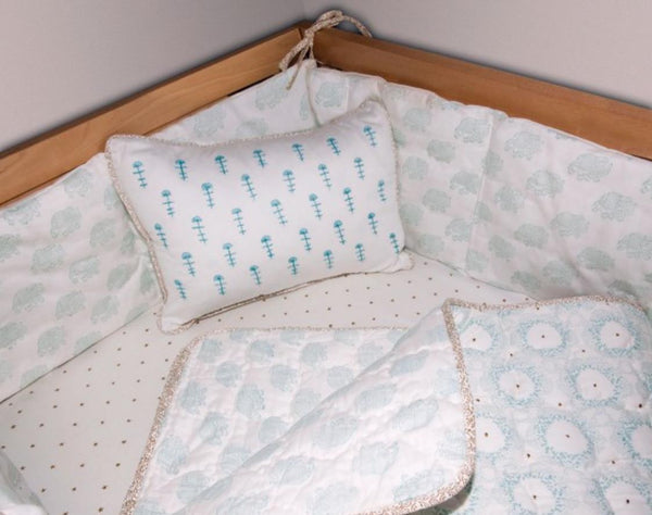 Tobacco Star Fitted Crib Sheet