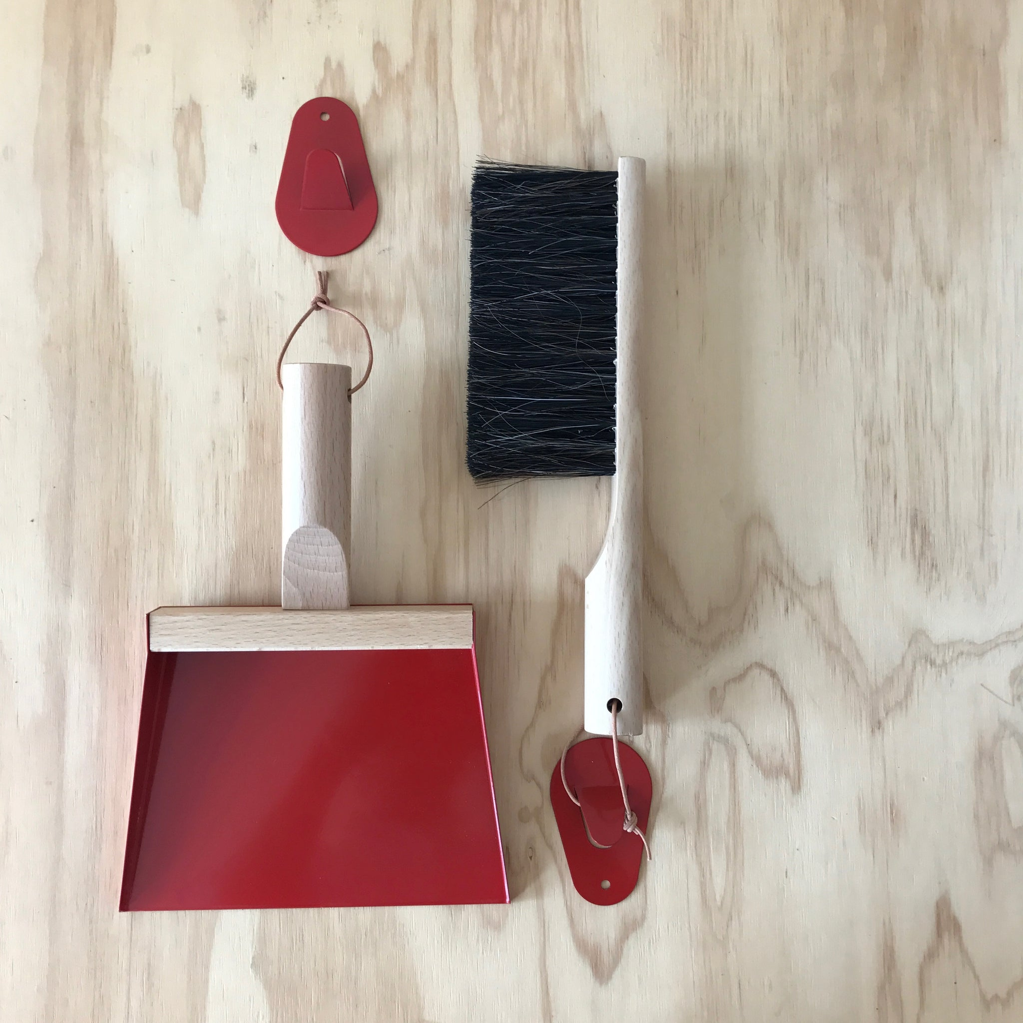 Andree Jardin 'Mr. and Mrs Clynk' Red Hand Brush, Dustpan & Wall Hooks - Upstate MN