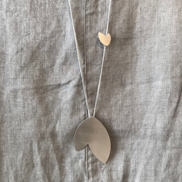 The Minimal Form Stainless Steel Disamare Necklace by Days of August