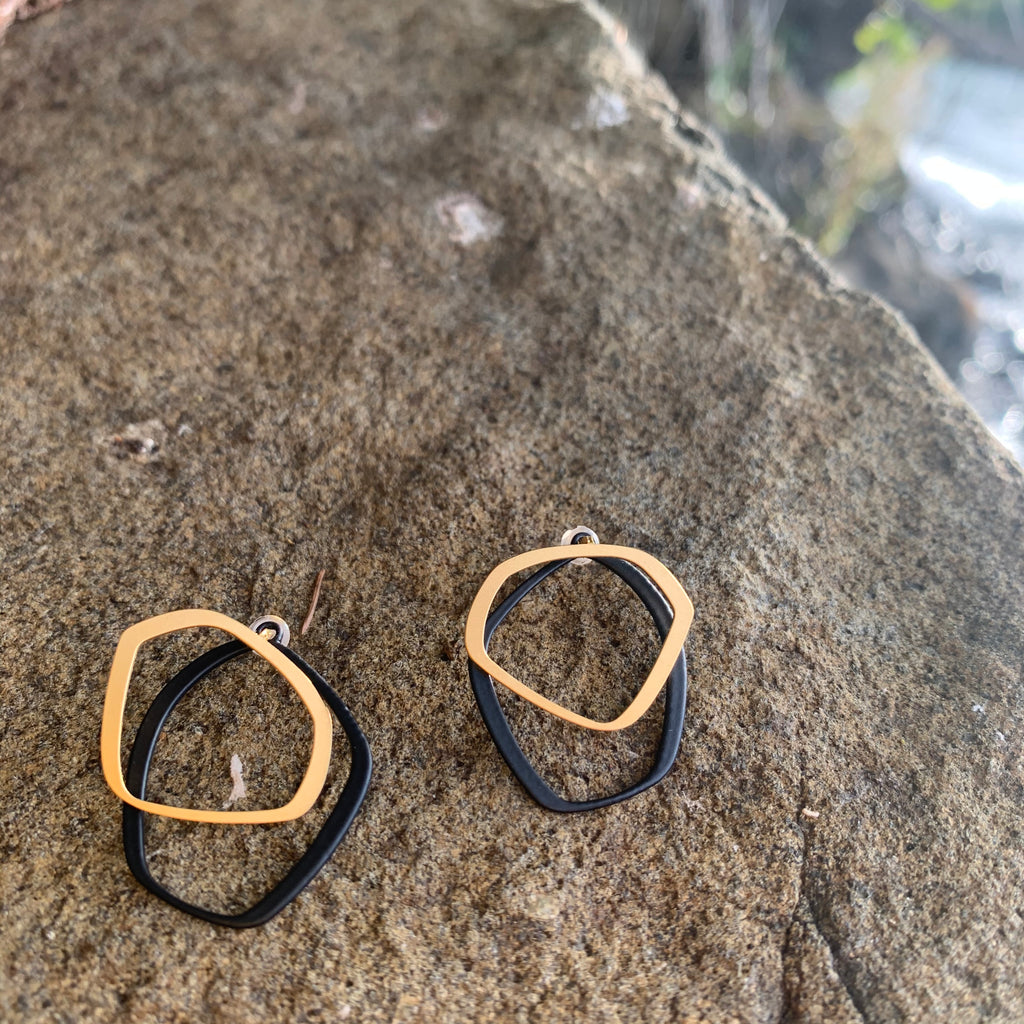 X2 Small Outline 22CT and Carbon Black Stud by Insync Design