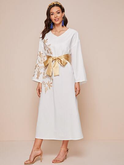 "V-neck ""Sunset"" embroidery dress with belt - What's Your Chic"