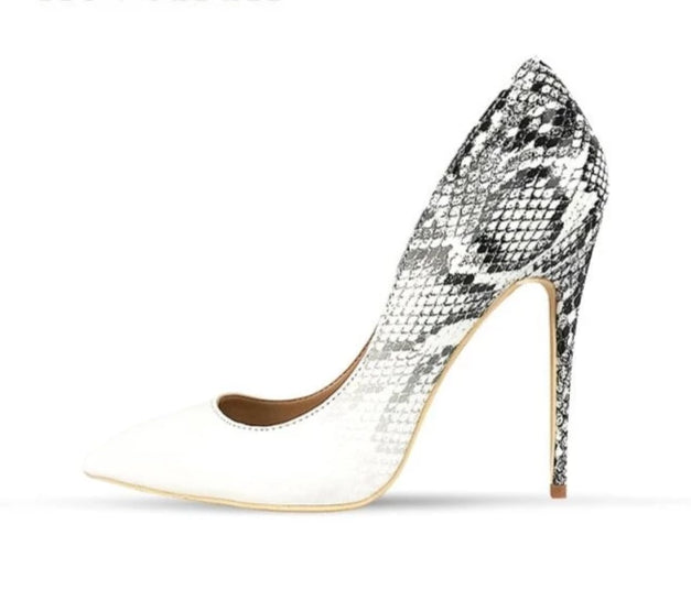 'Loyal' high heel pumps - What's Your Chic