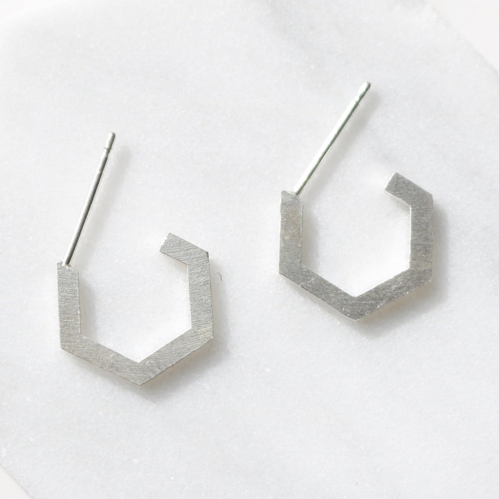 Hexagon side small earrings