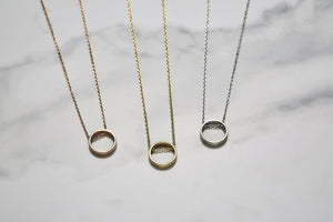 Bold circle necklace