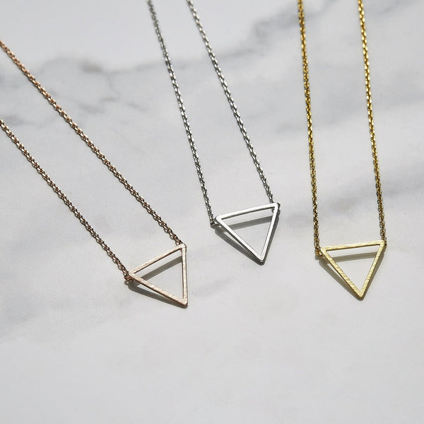 Line triangle necklace