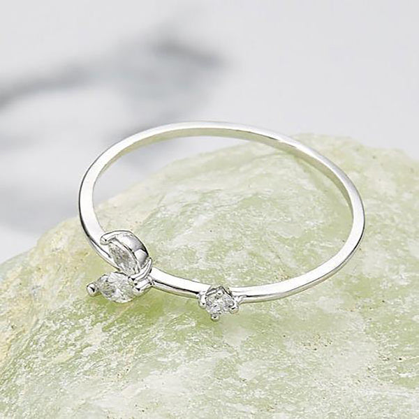 Cubic baby leaf ring