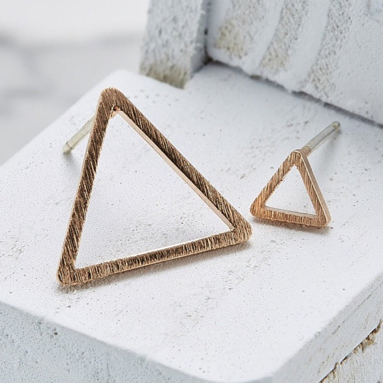Line triangle (Large) Earrings