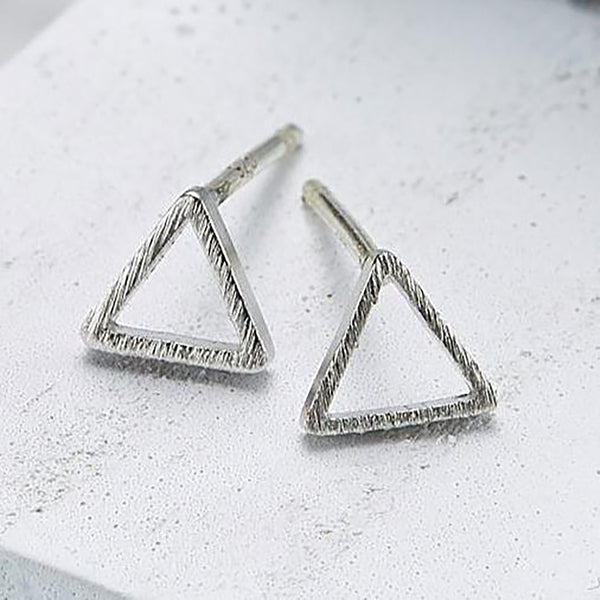 Small line triangle Earrings