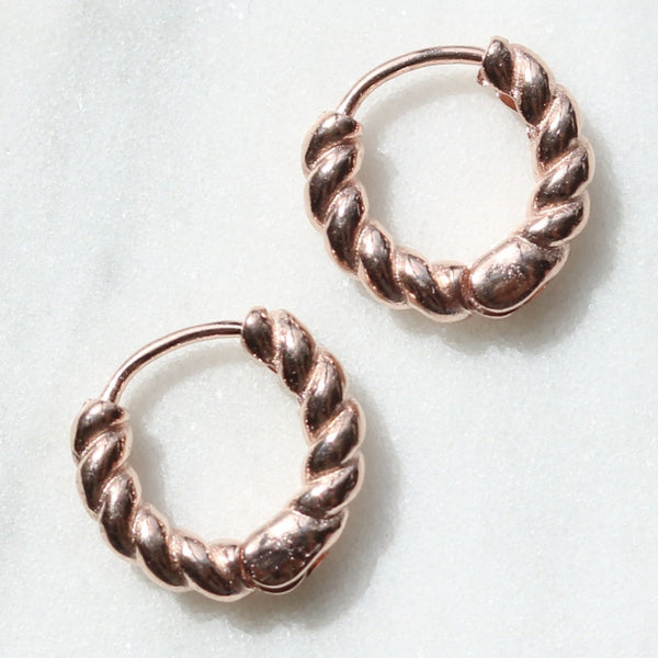 Chunky twist huggie earrings