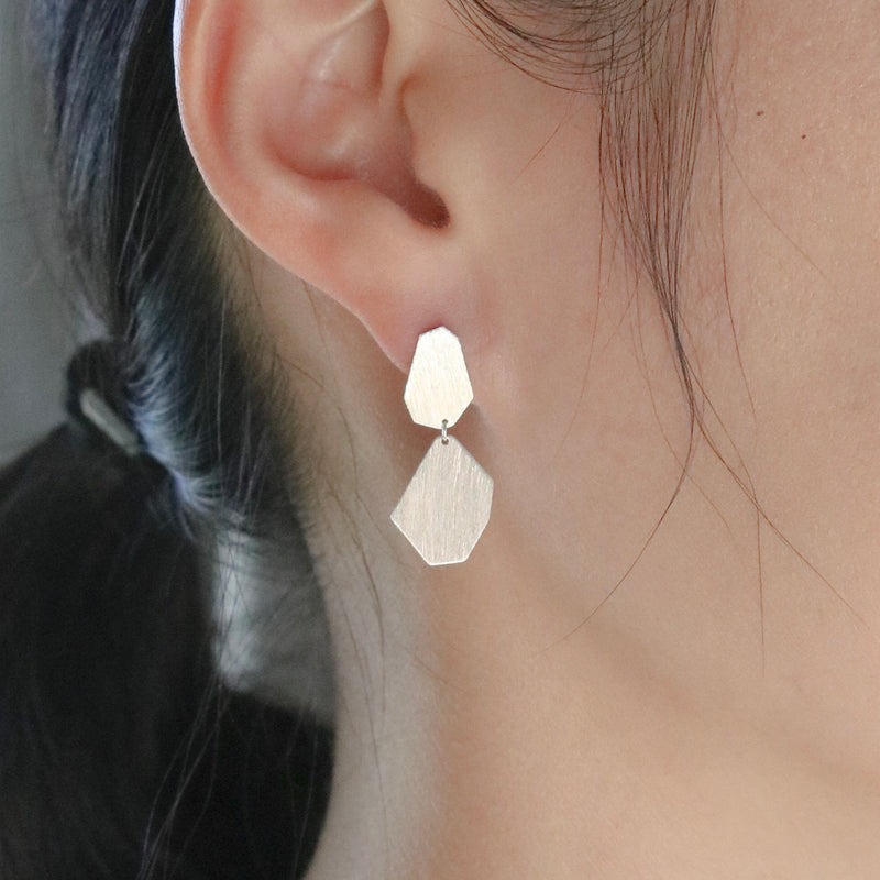 Flat chic earrings