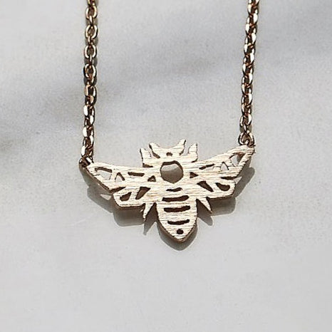 Line bee necklace