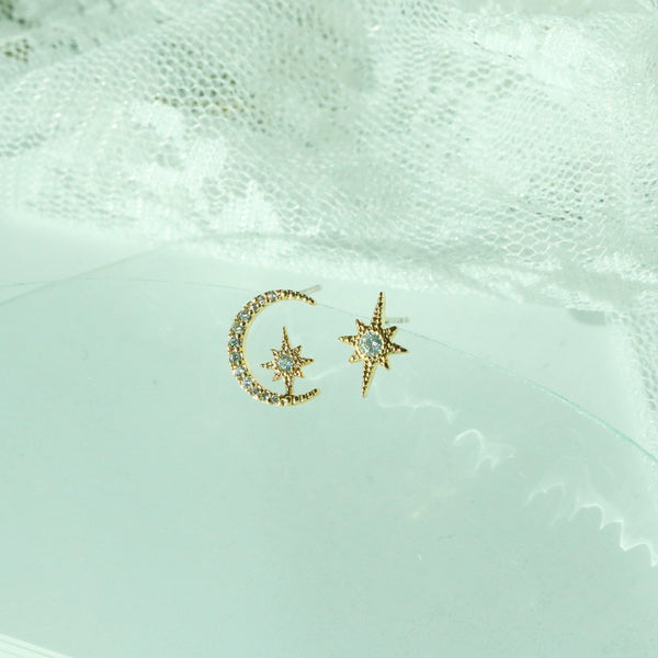 Moon and star earrings - NABILONDON