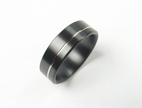 Pinstripe Ring in Black Zirconium and Palladium