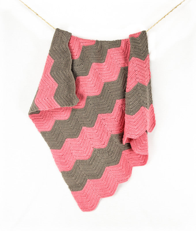 Chevron Blanket Pink and Grey - Hanging1