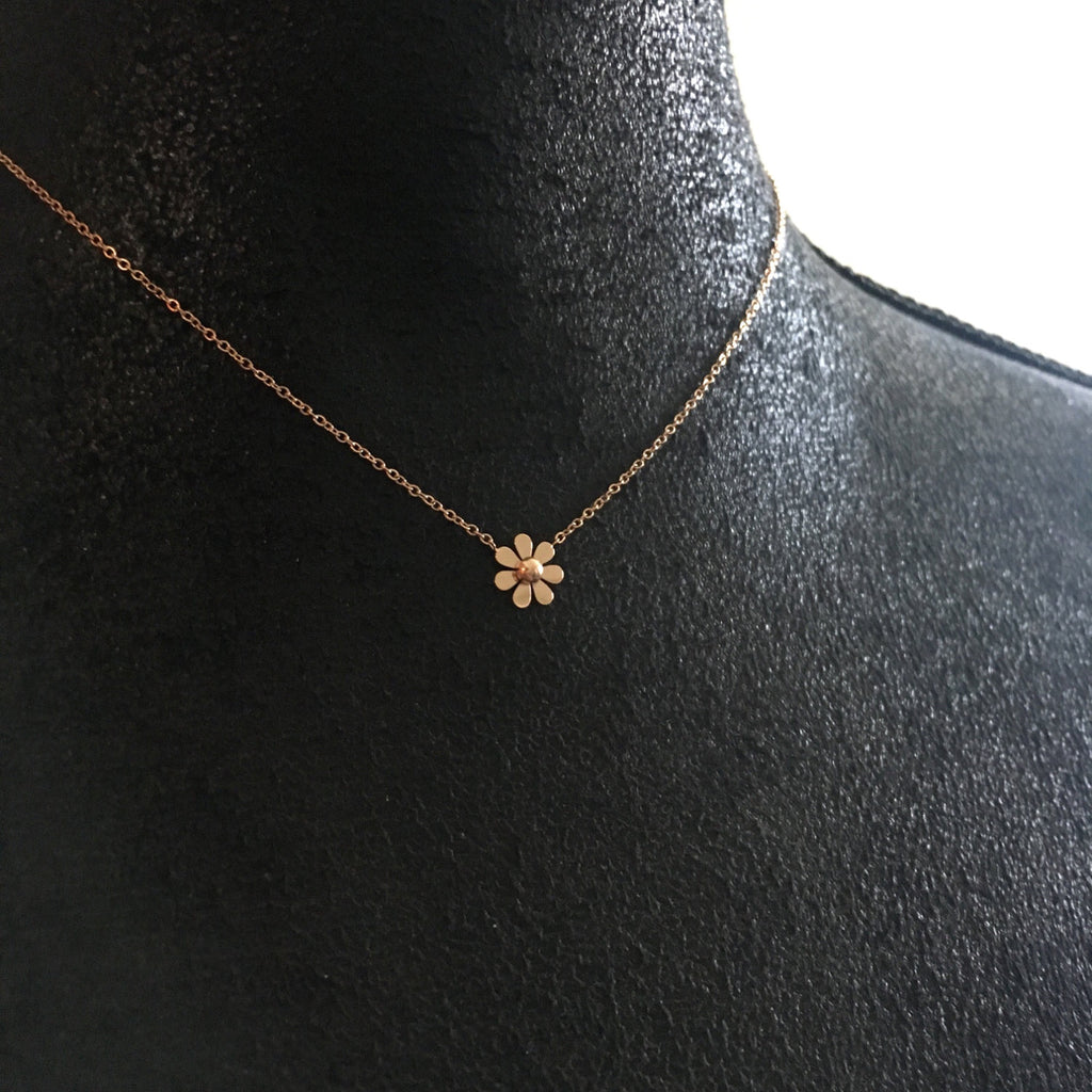 Single Daisy Necklace-Suradesires-Suradesires