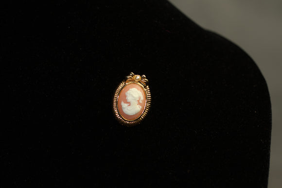 Antique White Cameo Pink & Gold Brooch Pendant