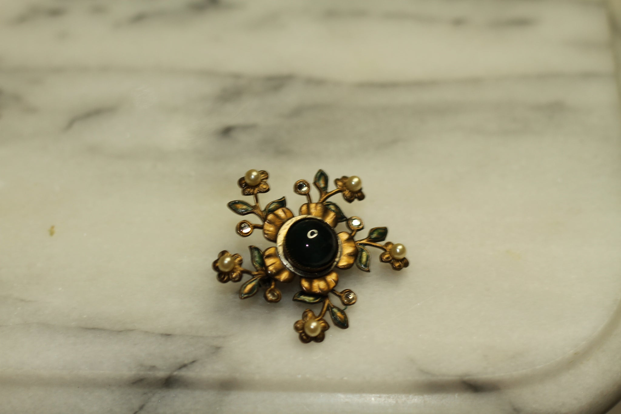 Gold Pearl Green Stone Round Brooch