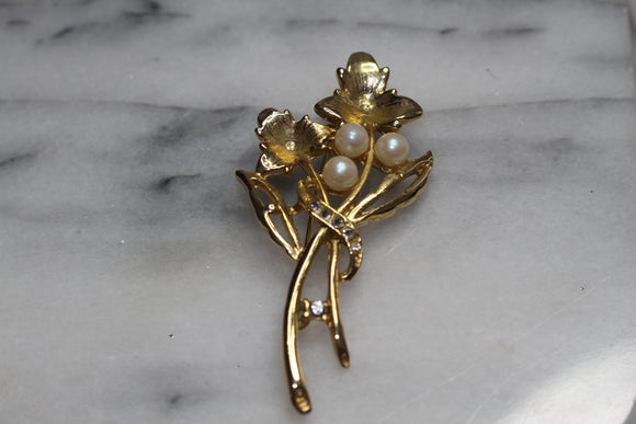 Gold Pearl Leaf Brooch