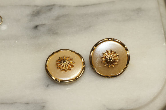 Gold Pearl Round Earrings
