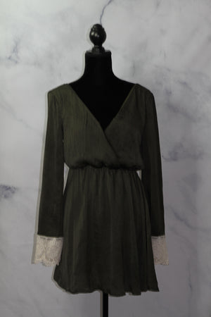 Hyvfe Seaweed Green T-Shirt Dress with Lace Cuff (S)